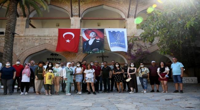 Kültür sanat alanında çalışan gazeteciler Kuşadası'nı gezdi