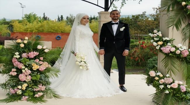 Trabzonspor'un savunma oyuncusu Hüseyin Türkmen evlendi