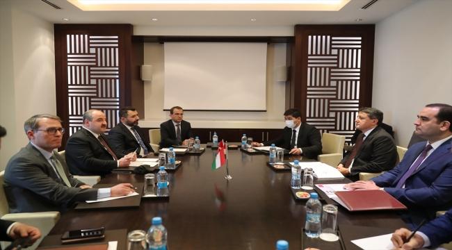 Bakan Varank, Tacikistan Sanayi ve Yeni Teknolojiler Bakanı Kabir ile görüştü